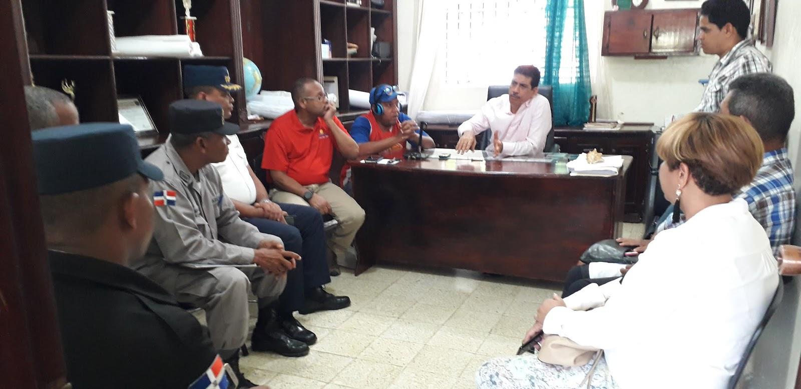 Autoridades de Turismo y Ayuntamiento crean mesa de seguridad.
