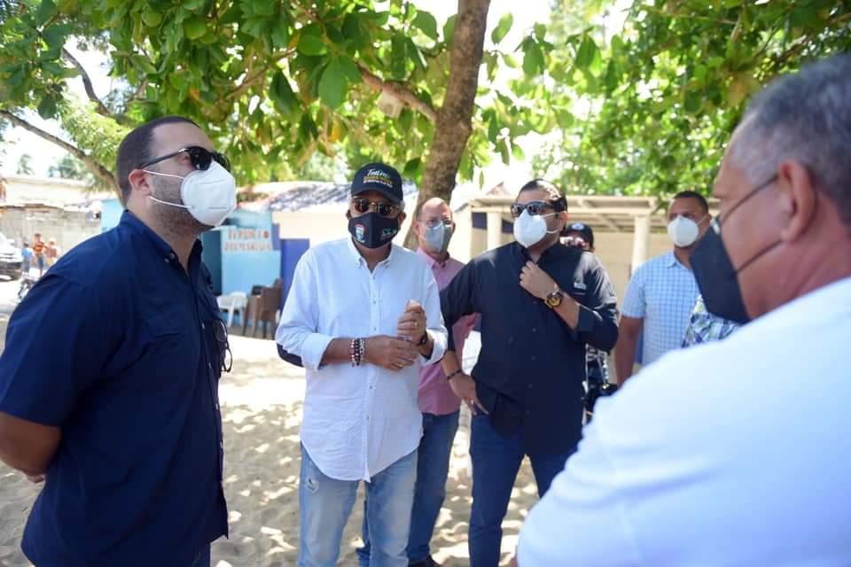 Alcalde recibe  la visita de Carlos Then Cotin director de CODOPESCA y el subdirector Greenberg Mata