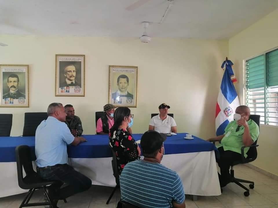 Recibimos hoy en la alcaldía la visita del Lic.. Juan Francisco García, Director Provincial del Ministerio de Medio Ambiente